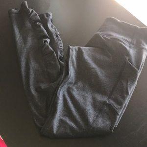Lululemon size 6 grey legging with elastic hugging